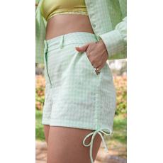 Short com amarração lateral verde