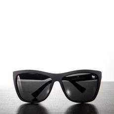 Óculos Preto Curvas