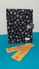Capa protetora de livros em tecido de âncoras com fundo preto