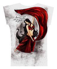 Camiseta . Vermelho e Preto