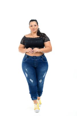 Calça Feminina Jeans Jogger Plus Size Detalhe Cinto Jeans