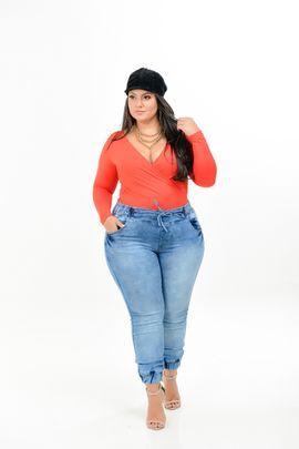 Calça Feminina Jeans  Jogger Plus Size Cintura Média Lavagem Sky