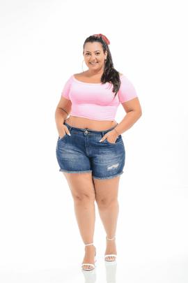 Shorts Feminino Jeans Plus Size Cintura Média Com Barra Desfiada Xtracharmy