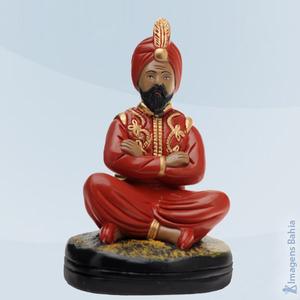 Deus Hindu com bola e roupa vermelha, 25cm