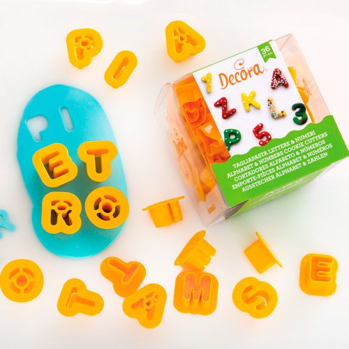 Kit Mini Cortadores Letras do Alfabeto e Números (36pcs) - Decora