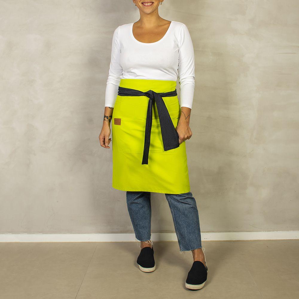 Avental Verde Limão com Jeans