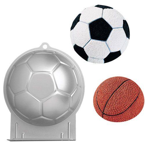 Assadeira Bolo de Bola de Futebol Soccer Ball Pan - Wilton
