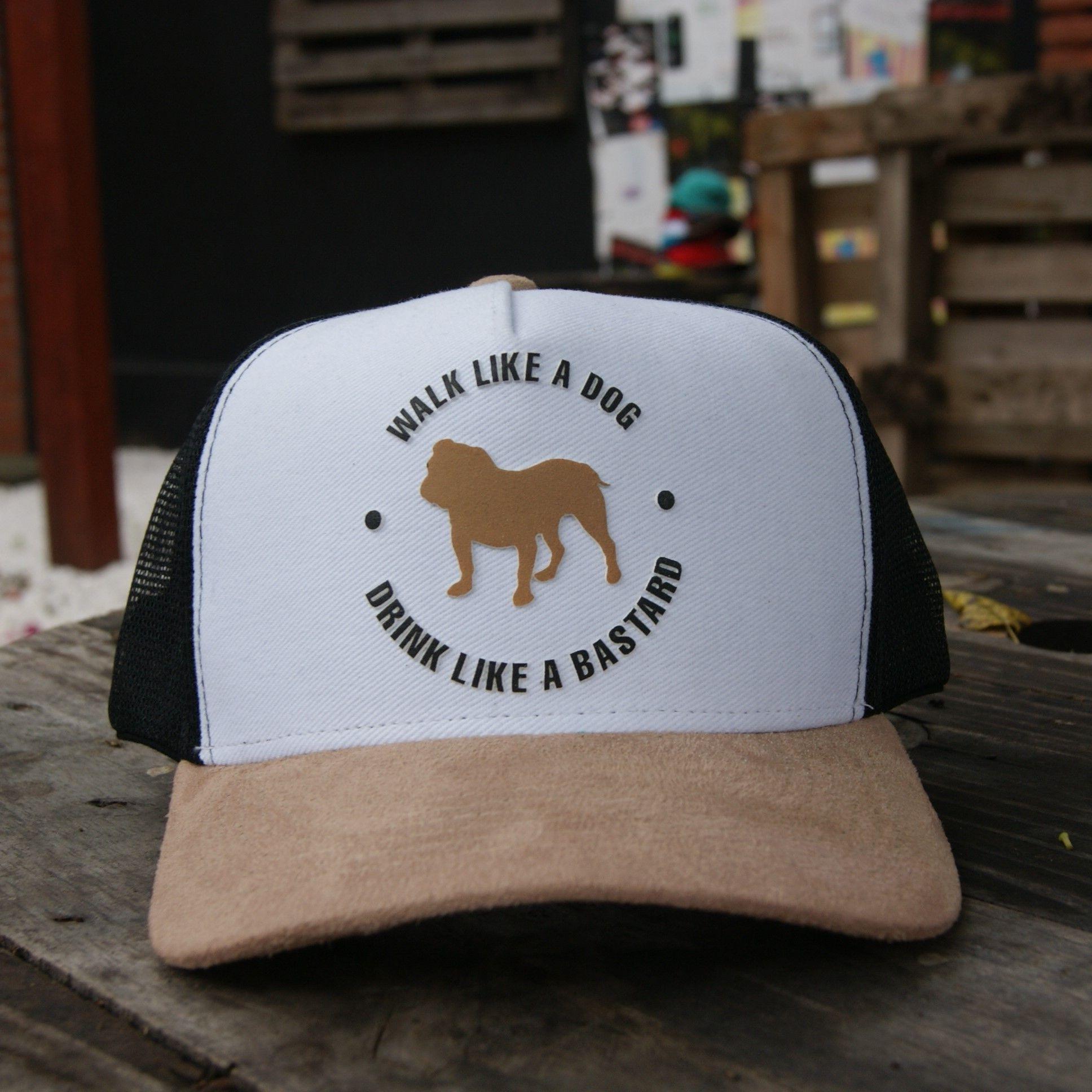 Boné Trucker Branco - Aba Bege - Walk Like a Dog