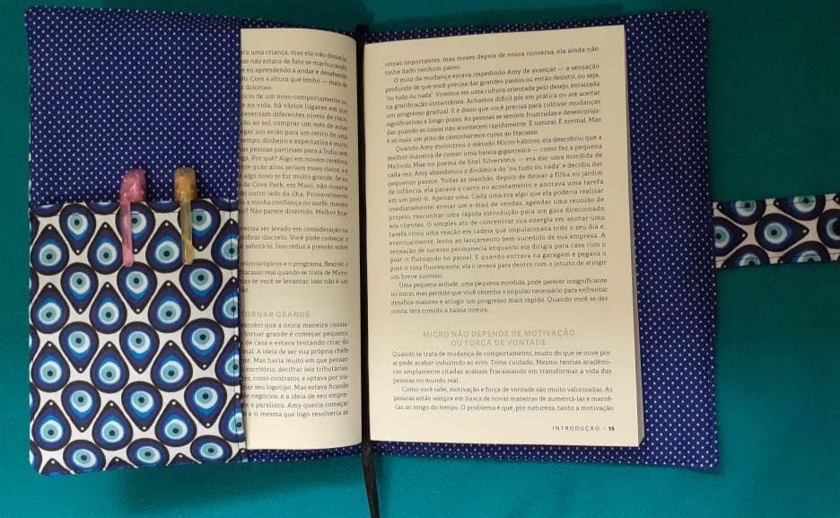 Capa protetora de livros em tecido de olho grego