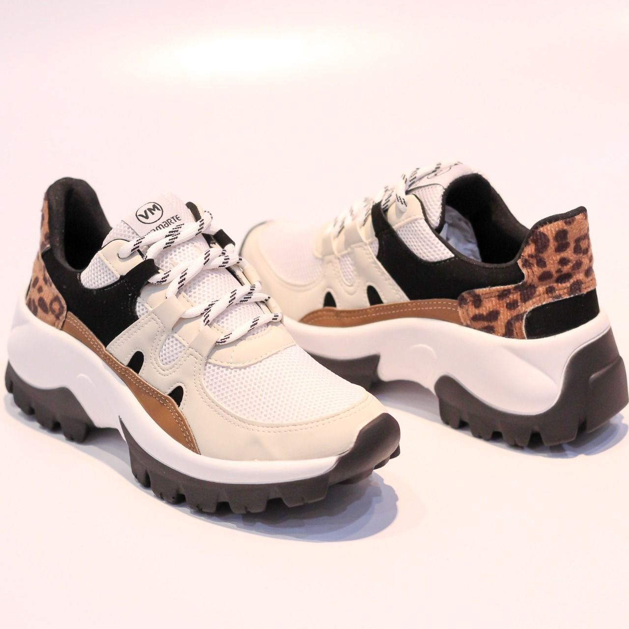 Tênis Chunky Sneaker Via Marte 20-7604 Branco/Preto/Centeio