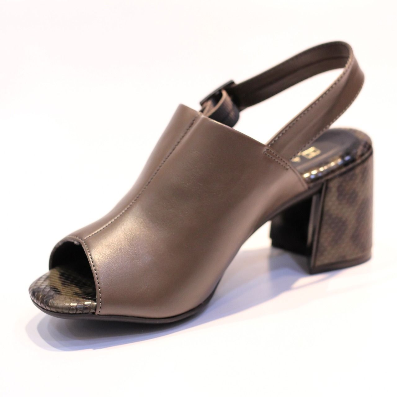 Sandália Ramarim Open Boot Folha