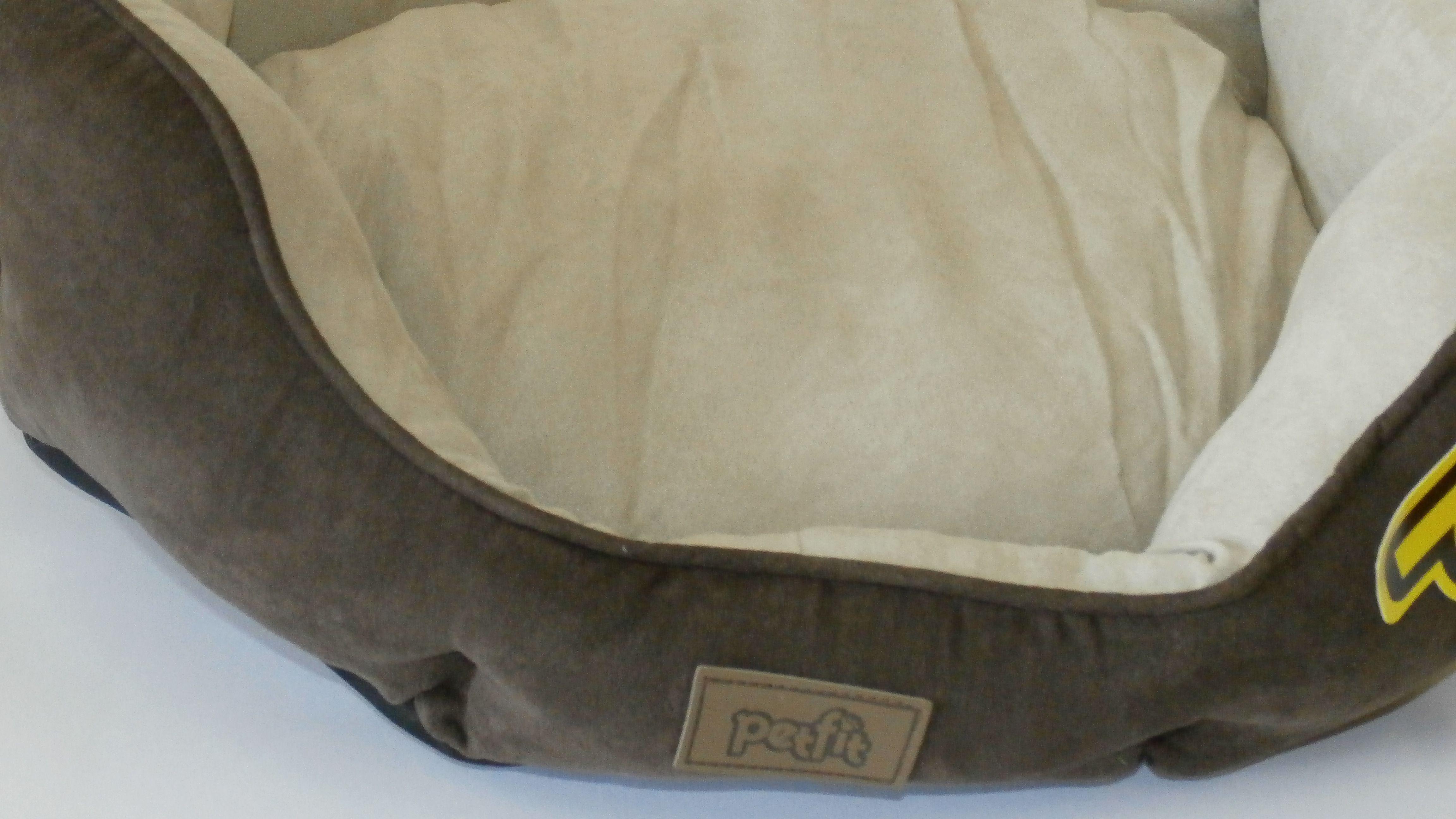 Caminha Basket em tecido Suede com almofada interna bicolor, que acolhe o pet