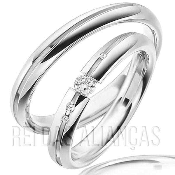 imagem do produto Alianças em Ouro Branco com 4 Diamantes na Feminina Cód. 802