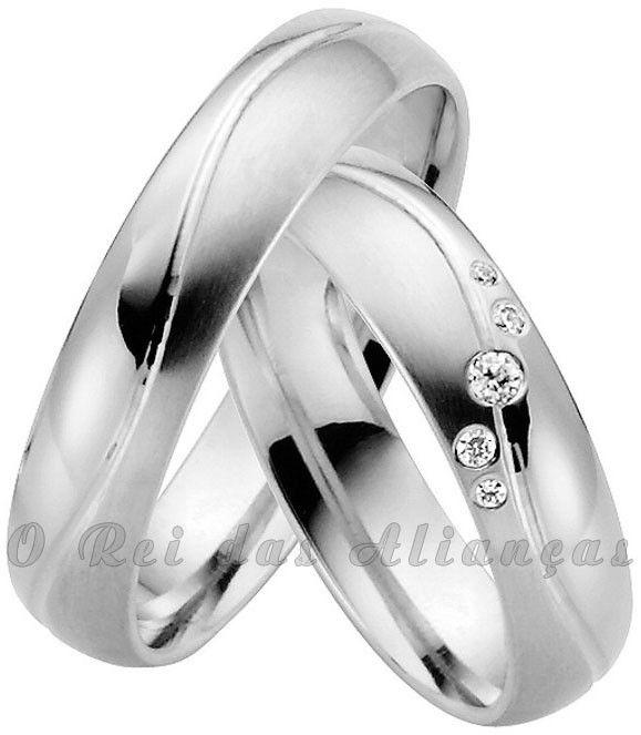 imagem do produto Alianças de prata com frisos em onda e diamantes híbridos Cód. 8556