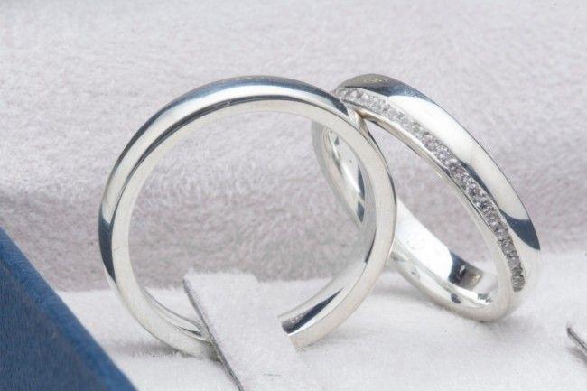 imagem do produto Alianças de prata 4mm com diamantes híbridos na feminina Cód. 8628