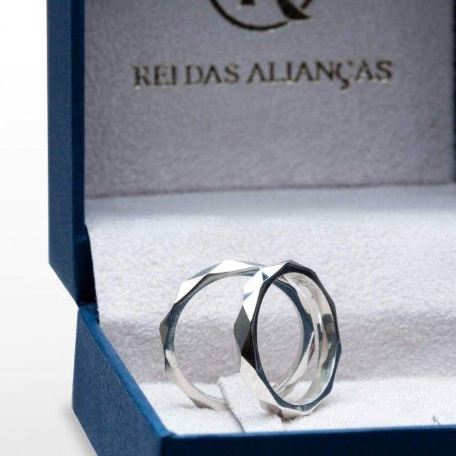 imagem do produto Alianças de Namoro em Prata Facetada Cód: 8704