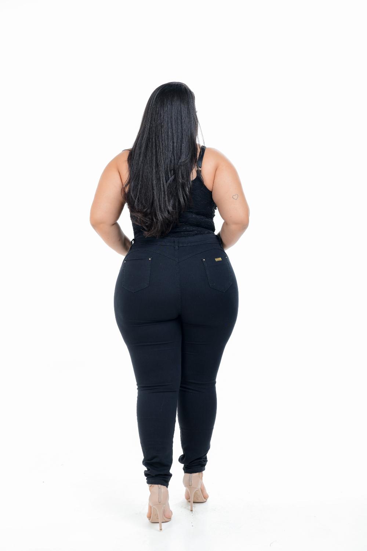 Calça Feminina Jeans Skinny Preta Plus Size Cintura Alta